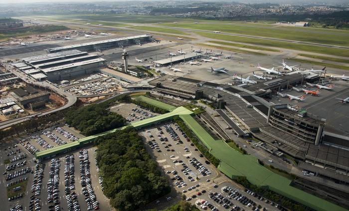 O deputado fez uma alteração na sua passagem de avião, mudando o destino final de Brasil para Paraguai. Foto: Reprodução/Internet