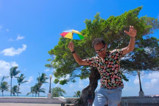Recifense, hoje o músico mora em Olinda, cenário de muitas de suas músicas. Foto: Thalyta Tavares/Esp.DP