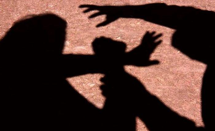 O homem partiu para as agressões verbais e quebrou objetos dentro da residência. Foto: Reprodução/Internet