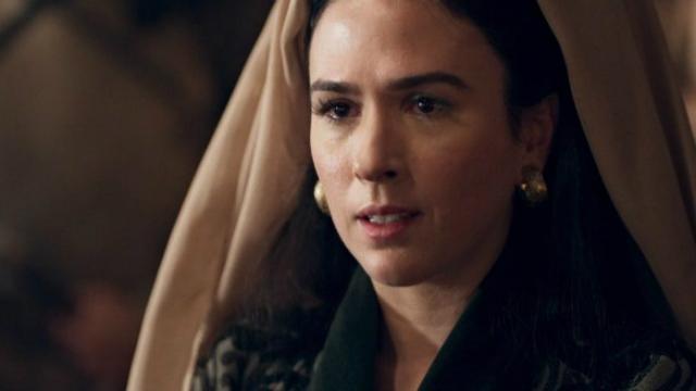 Atualmente, atriz interpreta Lucrécia em Deus Salve o Rei. Foto: Globo/Reprodução