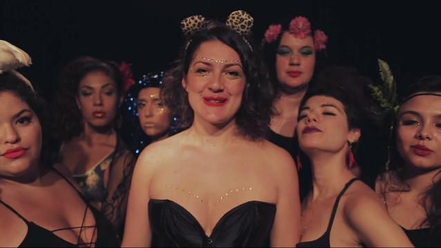 Fernanda Brandão convidou cantoras e instrumentistas para participar do vídeo. Foto: YouTube/Reprodução