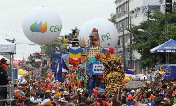 A maior agremiação de Carnaval do mundo completa 40 anos com a previsão de manter o número de foliões acima de dois milhões. Foto: Paulo Paiva/ DP
