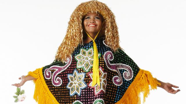 Cantora se apresenta no Recife no período carnavalesco. Foto: Carlos Sales/Divulgação