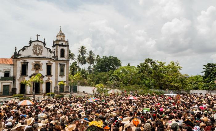 Foliões tomam banho de lama nas ladeiras de Olinda.Foto:PMO/Divulgação