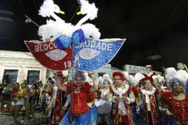 Bloco da Saudade, fundado em 1974, sai do Bairro Novo em direção ao Sítio Histórico a partir das 16h. Crédito: Roberto Ramos/DP