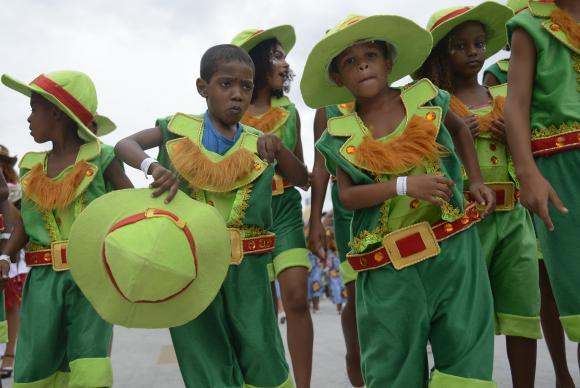 A escola de samba Tijuquinha do Borel, durante desfile das Escolas de Samba Mirins na Sapucaí. Tânia Rêgo/Agência Brasil