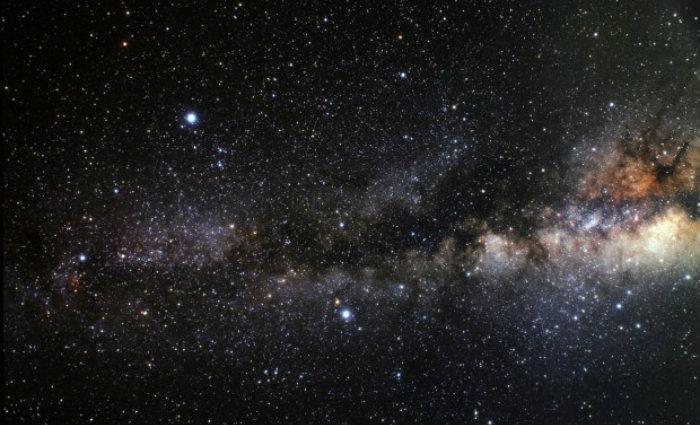 Devido à incrível quantidade de energia liberada, o evento brilha tanto quanto 200 milhões sóis e pode ser vista a partir da Terra. Foto:  A. Fujii / NASA (Foto:  A. Fujii / NASA)