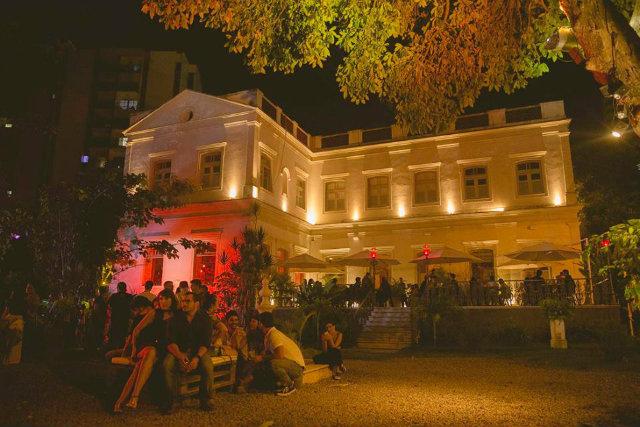 Neste fim de semana, o Barchef terá noites dedicadas ao pop e ao rock retrô. Foto: Facebook/Reprodução