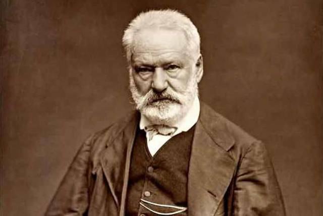 Victor Hugo hesitou por muito tempo até se decidir pelo título da saga. Foto: Etienne Carjat/Reprodução -1866