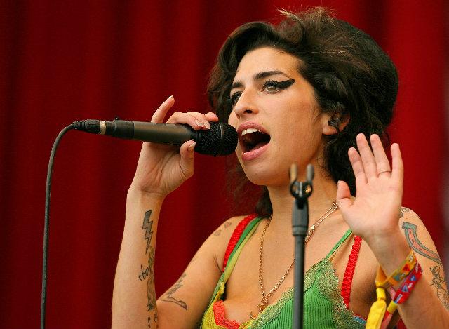 My Own Way foi gravada quando a cantora tinha 17 anos. Foto: Carl de Souza/AFP Photo