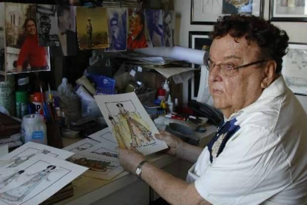 Victor Moreira, de 84 anos, é um workaholic da moda: passou pela estamparia, figurino, cenografia, escreveu em jornais e participou de programas de TV falando sobre o tema. Crédito: Shilton Araújo/Divulgação