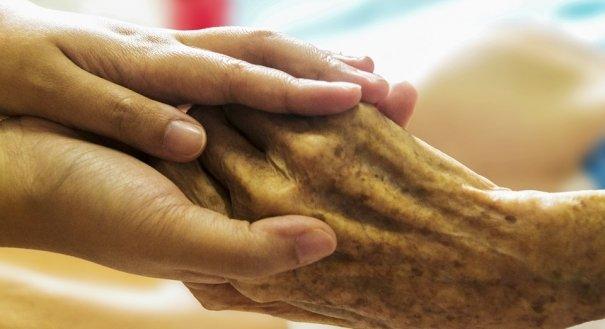 Resultado de imagem para Ancião de 97 anos é resgatado no Maranhão em situação de abandono familiar