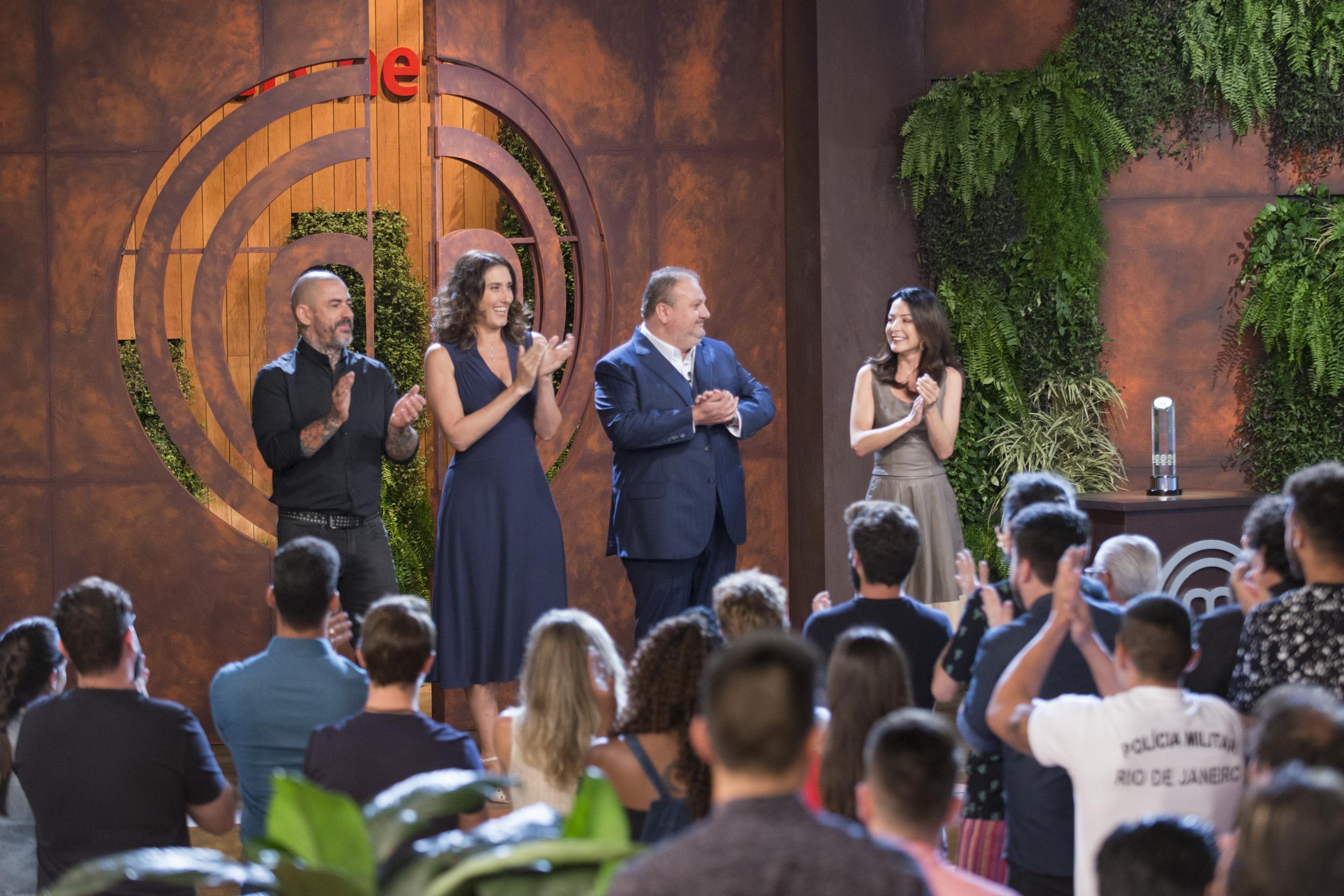 Desde a estreia em 2014, programa permanece com o mesmo time de apresentadora e jurados. Foto: Band/Divulgação