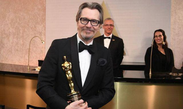 Gary Oldman recebeu o Oscar de Melhor Ator por O Destino de Uma Nação. Foto: Angela Weiss/AFP