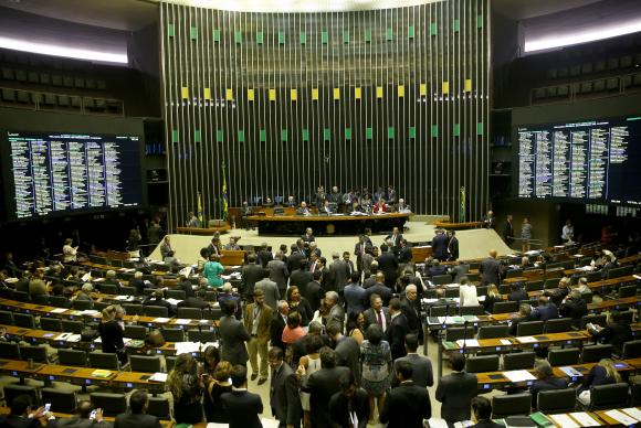 Com janela partidária, deputados federais podem trocar de partido sem risco de perder mandato. Foto: Wilson Dias/Agência Brasil