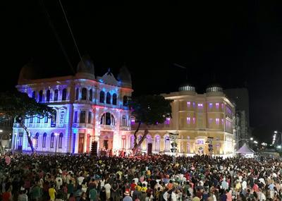 Atração reunião grande público nos arredores do Marco Zero. Foto: Paulo Paiva/DP