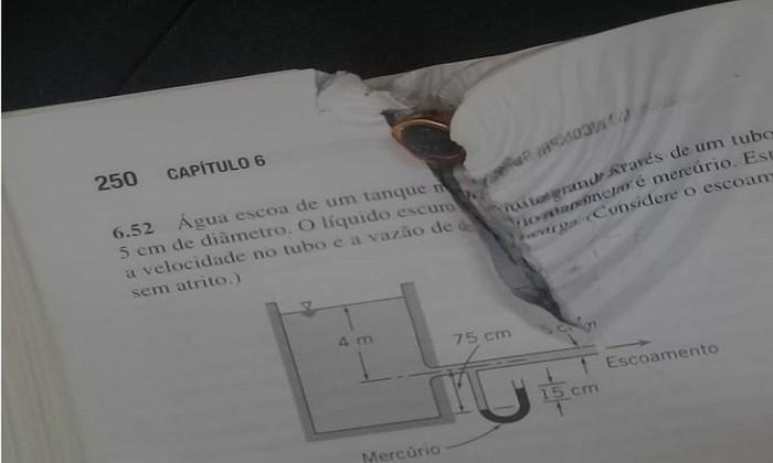 Estudante diz ter evitado tiro nas costas graças a livro na mochila - Foto: Arquivo Pessoal