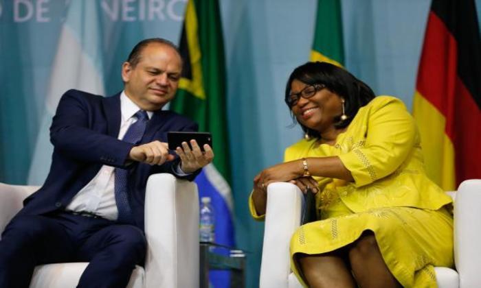 O  ministro da  Saúde,  Ricardo  Barros, e  a diretora da  Organização  Pan-Americana da Saúde,  Carissa  Étienne,  abrem, no Rio, o 1º Congresso Internacional de Práticas Integrativas e Saúde Pública. Foto: Tânia Rêgo/Agência Brasil