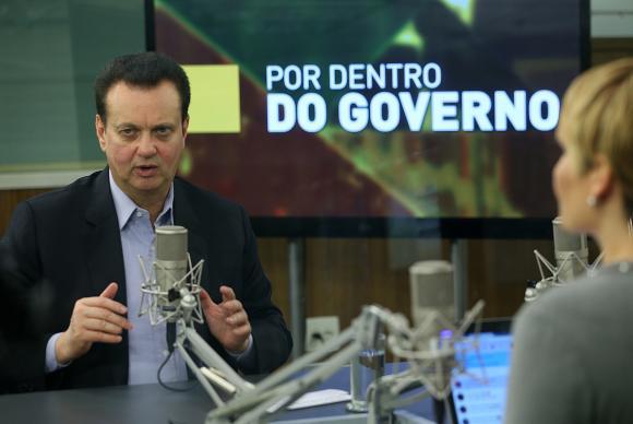 O Ministro da Ciência e Tecnologia , Inovações e Comunicações, Gilberto Kassab, participa do programa Por Dentro do Governo da TV NBR. Foto: José Cruz/Agência Brasil (Foto: José Cruz/Agência Brasil)