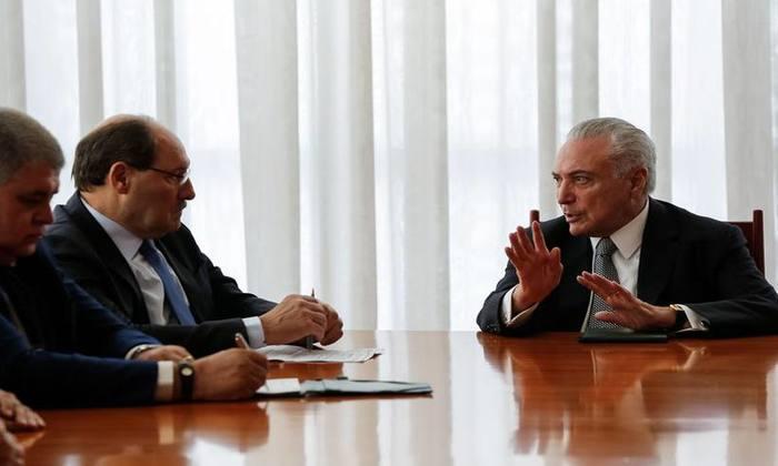 Temer recebe o governador do Rio Grande do Sul, no Palácio da Alvorada. Foto: Marcos Corrêa/PR