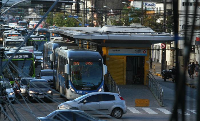 São ruas que foram construídas para carroças e que hoje já vivem congestionadas pelos carros que nelas circulam. Foto: Peu Ricardo/DP (Foto: Peu Ricardo/DP)