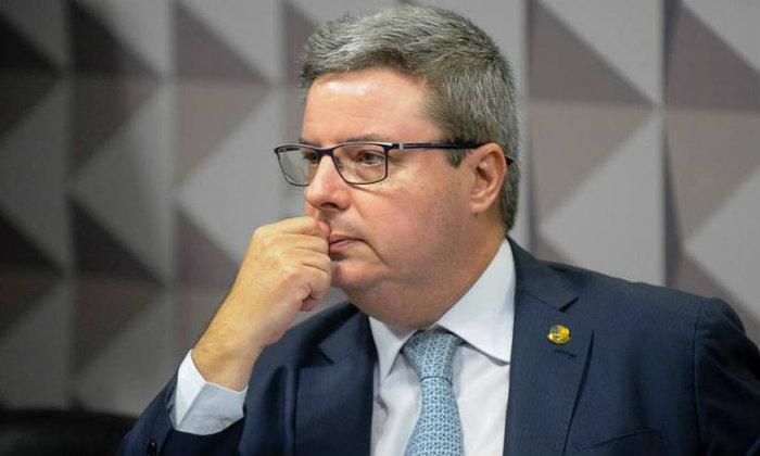 O senador disse aos colegas que vai definir sua posição até segunda-feira. Foto: Marcos Oliveira / Agencia Senado (Foto: Marcos Oliveira / Agencia Senado)