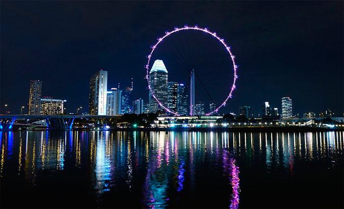 Singapura é um pequeno arquipélago próspero cuja economia atrai muitos imigrantes. Foto: Pixabay/Reprodução