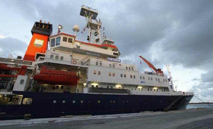 A bordo dele, 33 pesquisadores de diversos países, sendo dois deles do Departamento de Oceanografia da Universidade Federal de Pernambuco (UFPE), irão analisar o papel dos oceanos nas mudanças climáticas da Terra. Foto: Ricardo Fernandes/DP