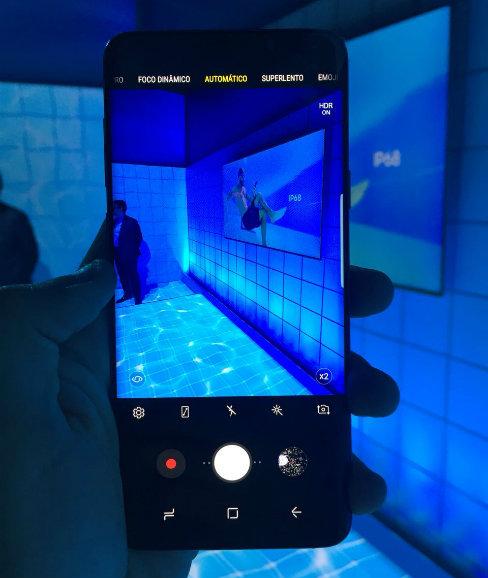 Testes que o Diario fez no pré-lançamento comprovam qualidade da melhor câmera para smartphones do mercado. Foto: Diogo Carvalho/DP