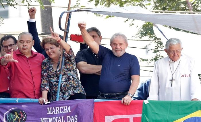 o ex-presidente Luiz Inácio Lula da Silva discursou, neste sábado, durante a missa em homenagem à ex-primeira-dama Marisa Letícia em São Bernardo do Campo (SP). Foto: Paulo Pinto/Fotos Públicas.