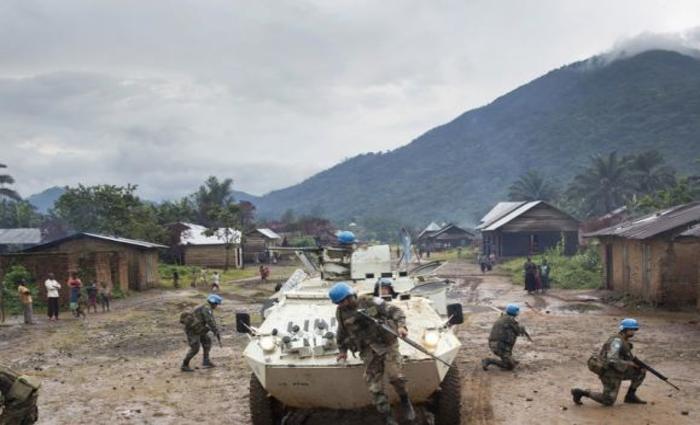 Boinas-azuis da Missão de Paz das Nações Unidas em ação na República Democrática do Foto: CongoONU/Sylvain Liechti