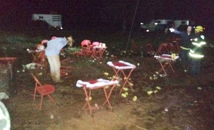 Local onde dezenas de pessoas foram eletrocutadas na Fazenda Dois irmãos, em Iturama, no Triângulo Mineiro. Foto: Bombeiros/Divulgação (Foto: Bombeiros/Divulgação)