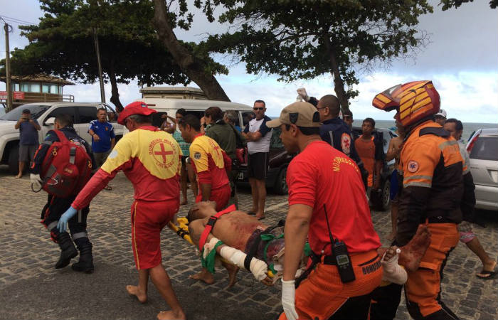 The Fire Department was activated to rescue a victim of a shark attack on the beach of Piedade ... & Man attacked by shark on the beach of Piedad u2013 Tech2