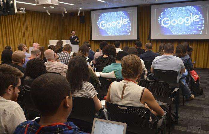 No ranking nacional de palavras pesquisadas na última semana, lideram os termos: Youtube, previsão do tempo e o próprio Google, seguido por Banco do Brasil, BBB 18 e Peppa Pig. Foto:Rovena Rosa/Agência Brasil