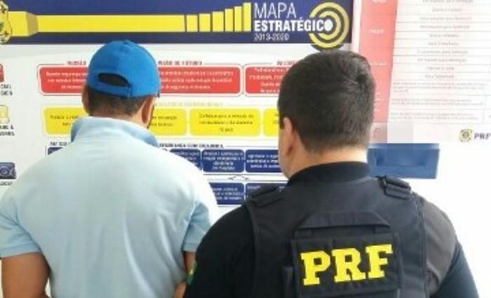 Prisão ocorreu na BR-116 na manhã desta sexta-feira (4). Foto: Divulgação/PRF