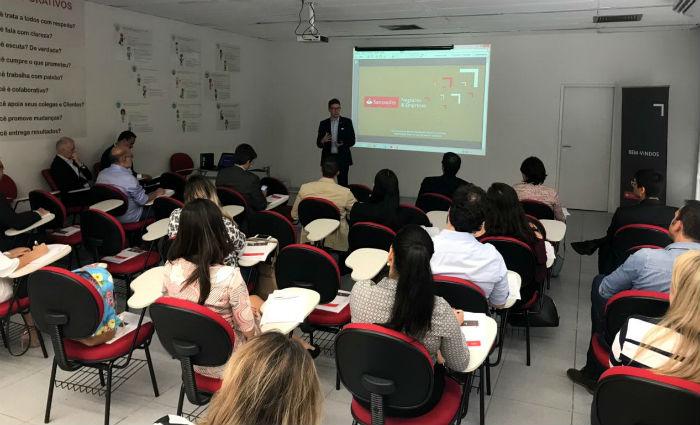 Graham Tidey, cônsul britânico no Recife, em rodada de negócios do Santander. Foto: Consulado Britanico/Cortesia (Foto: Consulado Britanico/Cortesia)