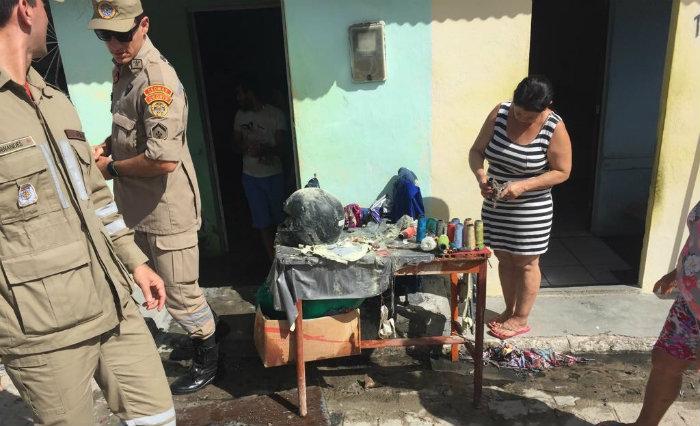 Bombeiros estiveram no local para apagar o fogo. Foto: Bombeiros/Divulgação