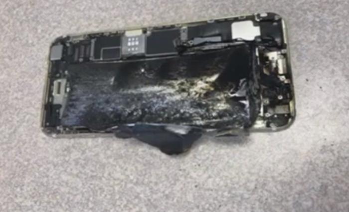 Um funcionário de uma loja em Las Vegas estava trabalhando no balcão quando o smartphone explodiu. Foto: Reprodução/ABC