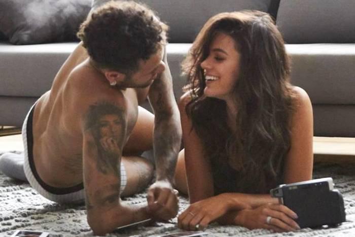 Casal aparece em clima sensual e momentos de troca de carinhos. Foto: Instagram/Reprodução