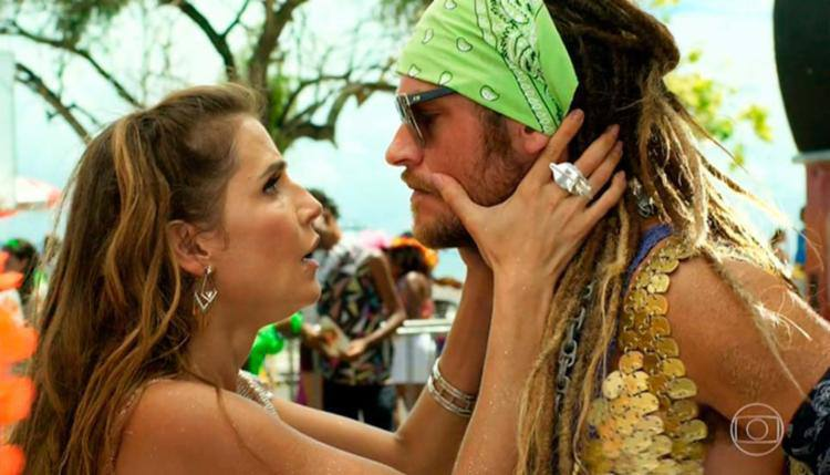 Karola (Deborah Secco) e Beto Falcão (Emilio Dantas) em cena do primeiro capítulo de 'Segundo sol'. (foto: TV Globo/Reprodução)