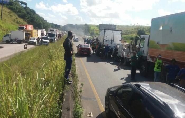 Áreas interrompidas em protesto de trabalhadores que circulam em caminhões pelo país vão do Sertão ao Grande Recife. Foto: Divulgação/PRF