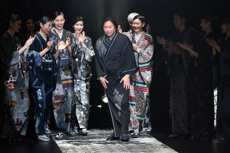 Na Tokyo Fashion Week, estilistas testaram novas fórmulas e releituras das tradições. Foto: Kazuhiro Nogi/AFP