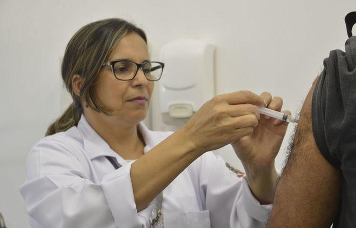 Ainda devem ser imunizadas 21 milhões de pessoas que fazem parte do público-alvo. Foto: Rovena Rosa/Agência Brasil