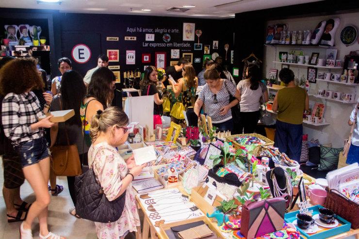 A pop up itinerante reúne selos como Trocando em Miúdos, Vitalina e Coisar. Na foto, edição anterior do projeto. Foto: Casa Viva/Divulgação