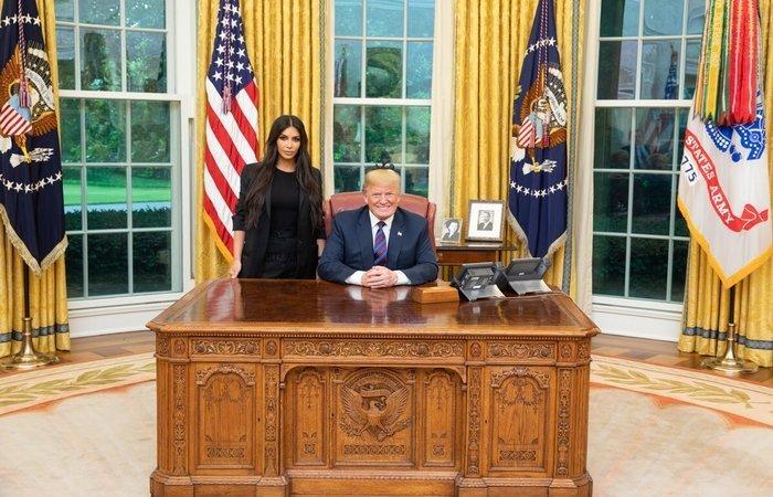 Em sua conta no Twitter, Trump publicou uma foto da visita, e disse que teve 'uma grande reunião'