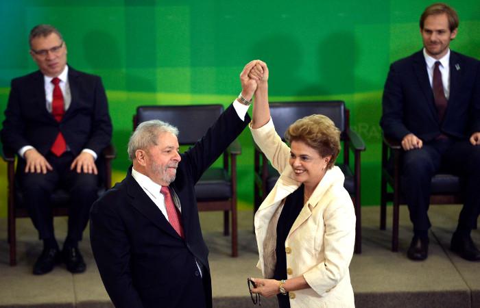Dilma visitou, nesta quinta-feira, o ex-presidente Lula, que está preso na sede da Polícia Federal em Curitiba. Foto: José Cruz/Agência Brasil