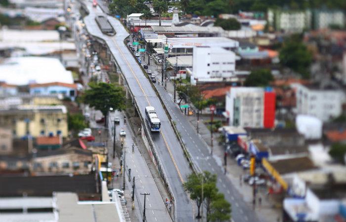 Em 2012, teve início a implantação do corredor de BRT Leste/Oeste do Via Livre. Foto: Peu Ricardo/DP
