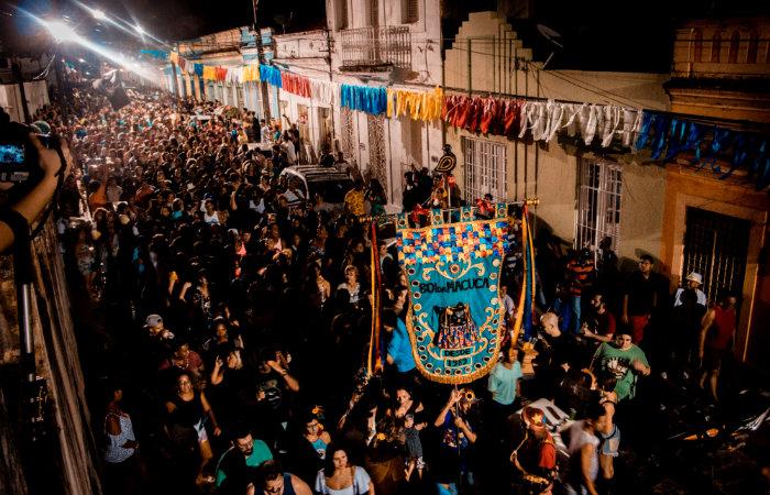 Abertura dos festejos juninos no último sábado com desfile do bloco da Macuca. Foto: Kelvin Andrade/Máquina 3/Divulgação