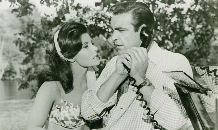 (Eunice Gayson and Sean Connery no filme Moscou contra 007 (1963). Foto: Divulgação)