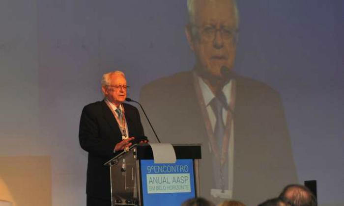 Velloso defendeu a redução do ICMS dos combustíveis como forma de conter a crise. Foto: Jair Amaral/EM/D.A Press.